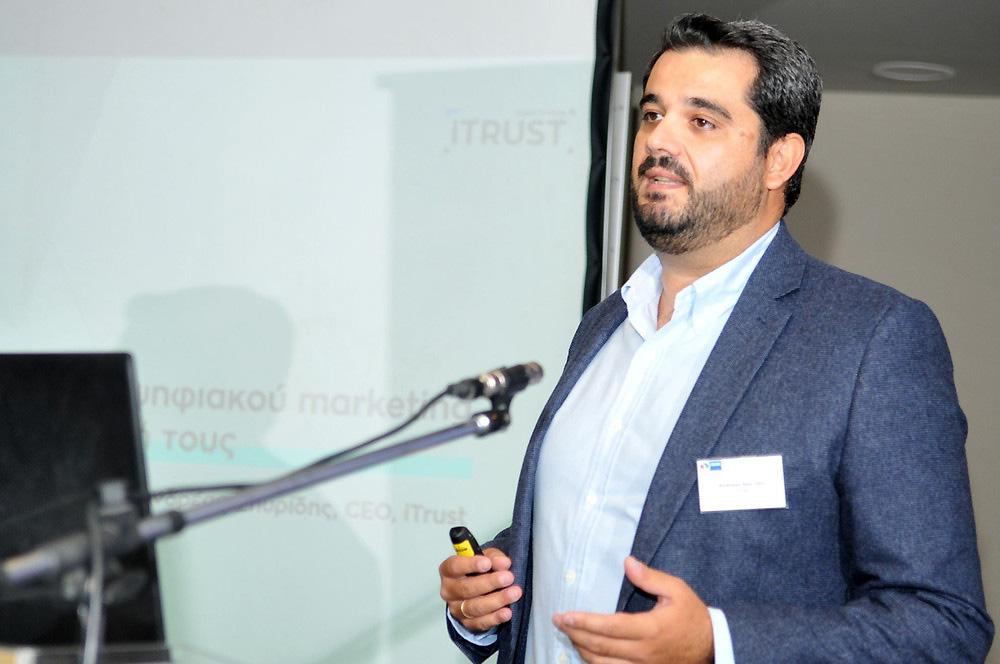 iTrust auf dem Podium - Vortrag von Andreas Spyridis